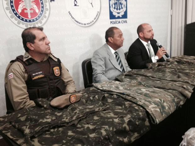 Chefes de polícias na coletiva sobre a chacina no Cabula, em Salvador (Foto: Henrique Mendes/G1 BA)
