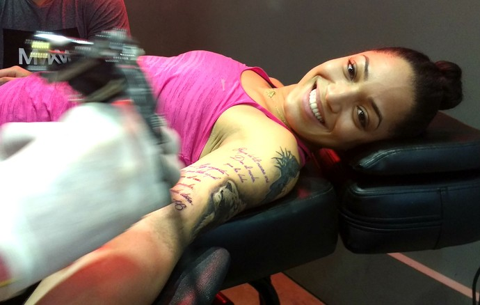 Brenda Castillo, líbero, Vôlei Bauru, tatuagem (Foto: Sérgio Pais)