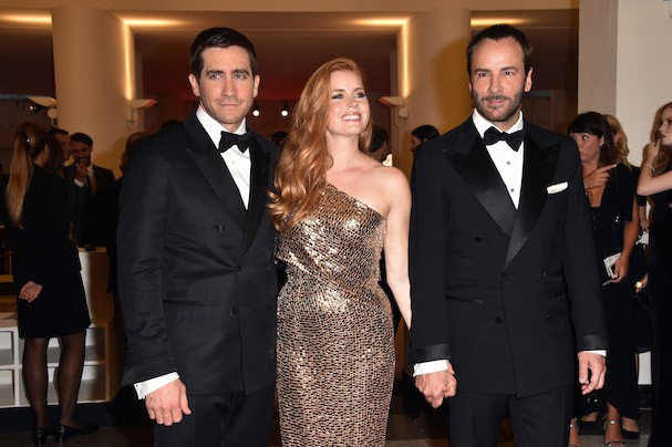 "Jake Gyllenhaal, Amy Adams e Tom Ford na première de ""Nocturnal Animals"" em Veneza (Foto: Getty Images)"