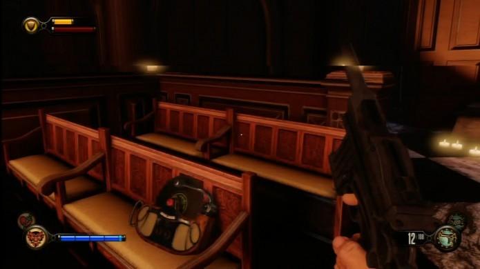 Bioshock Infinite: Verifique os bancos na catedral da Fraternal Order of the Raven (Foto: Reprodução/IGN)