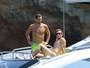 De sunga, Mario Götze curte férias em Ibiza