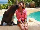 Sheron Menezzes ganha beijo de leão-marinho durante viagem