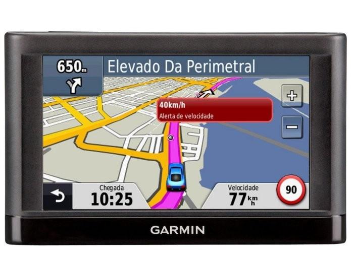 O navegador Garmin Nüvi 52 indica informações visuais e sonoras durante todo o trajeto para que o motorista não se perca (Foto: Divulgação)