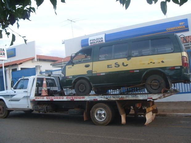 A Polícia Militar (PM) lavrou 18 autos de infração de trânsito para cinco veículos de Carmo do Paranaíba, no Alto Paranaíba, nesta semana. O resultado faz parte de uma operação desencadeada para fiscalizar os veículos que realizam o transporte escolar no  (Foto: Polícia Militar/Divulgação)