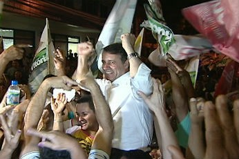 Luciano Rezende comemora a eleição em Vitória (Foto: Reprodução / TV Gazeta)