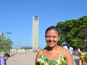 Simone Santos acha que os macapaenses são privilegiados por ter o Equinócio (Foto: Fabiana Figueiredo/G1)