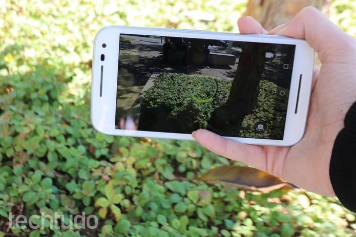 Moto G 3 vem com bateria maior do que rival da Samsung (Foto: Luana Marfim/TechTudo)