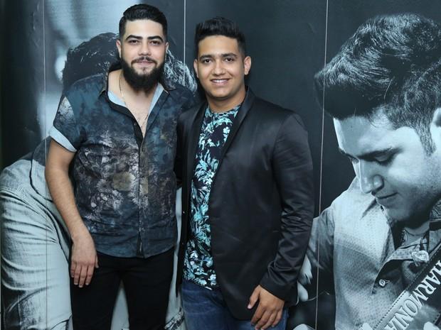 Henrique e Juliano em show na Zona Oeste do Rio (Foto: Roberto Filho/ Brazil News)