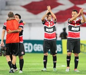 jogadores Santa Cruz (Foto: Marlon Costa/Pernambuco Press)