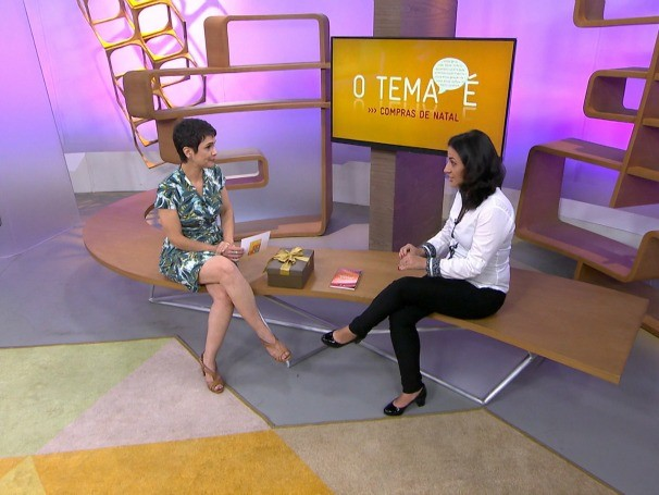 Claudia Almeia responde dúvidas enviadas através do VC no Como Será? (Foto: Globo)
