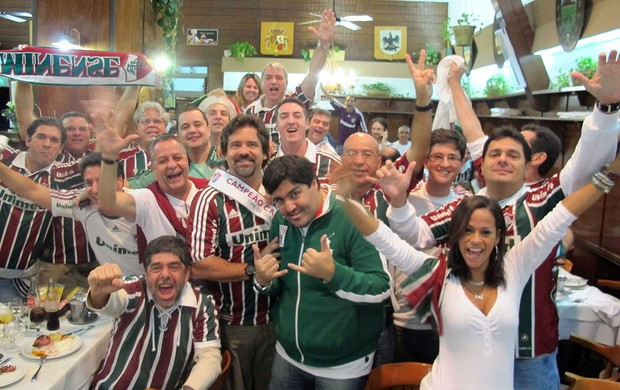 Torcida tricolor faz festa em Buenos Aires  (Foto: Rafael Cavalieri / Globoesporte.com)