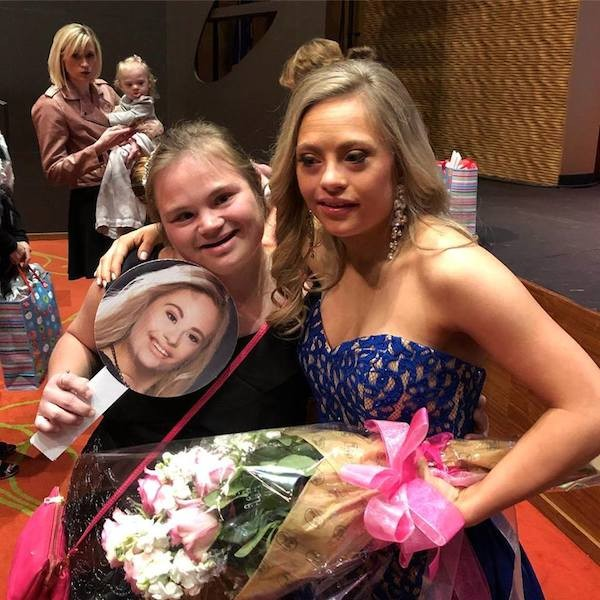 A candidata a Miss EUA, Mikayla Holmgren (Foto: Facebook)