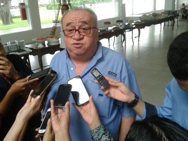 Deputado Federal Heráclito Fortes (PSB) brincou com lista da Odebrecht (Foto: Catarina Costa / G1)