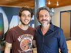 Chay Suede visita os bastidores de 'Império' e reencontra Alexandre Nero