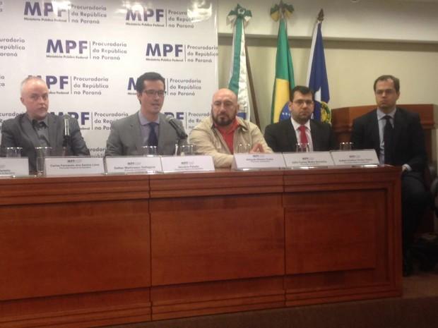 Procuradores sobre a votação do pacote anticorrupção (Foto: Marcelo Rocha/RPC)