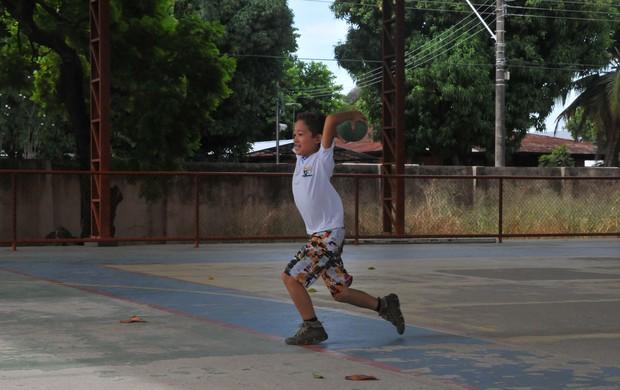 atividade crianças (Foto: Rodrigo Menaros)