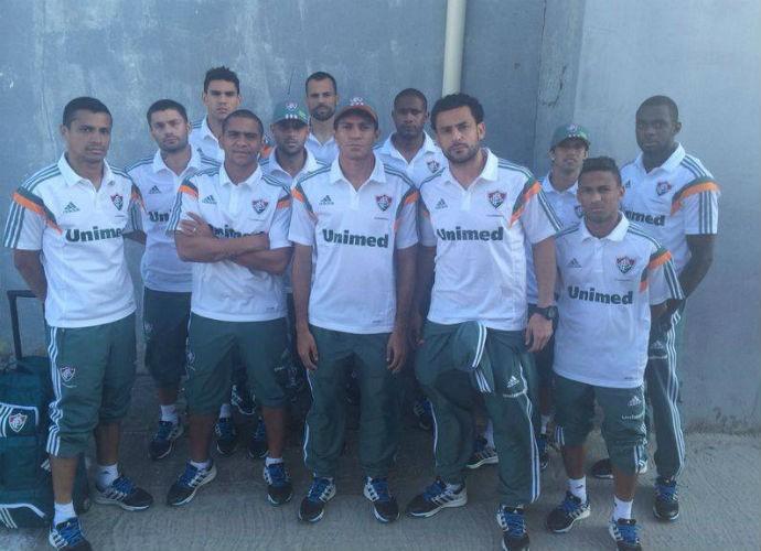 Jogadores do Fluminense do desembarque ao Rio de Janeiro nesta quinta (Foto: Reprodução/Facebook)