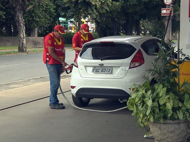 Aumento dos combustíveis já reflete em postos do Sul de Minas (Foto: Reprodução EPTV)