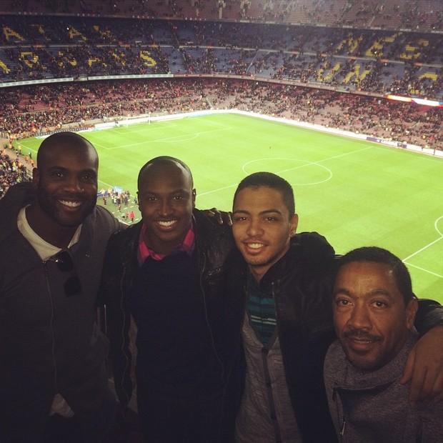 Thiaguinho e Rafael Zulu no estádio (Foto: Reprodução/Instagram)