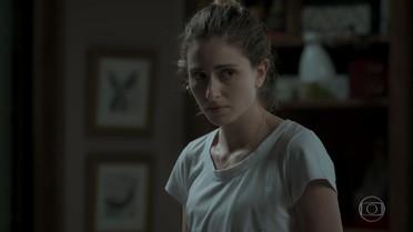 Ivana confessa para Simone que está apreensiva com retorno de Cláudio