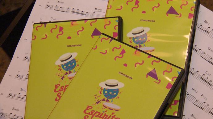 Songbook reúne sambas enredo produzidos ao longo da história no Espírito Santo (Foto: Divulgação/ TV Gazeta ES)