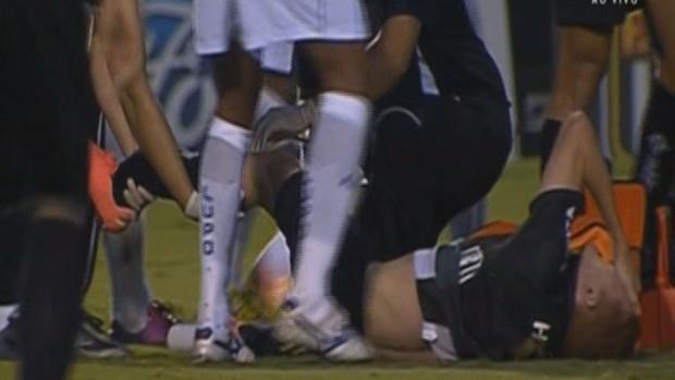 Ferrugem sofre fratura no pé após entrada violenta de Danielzinho (Foto: Reprodução/PFC)