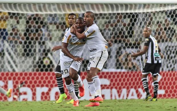 André Bahia e Sheik gol Botafogo (Foto: Jarbas Oliveira / Ag. Estado)
