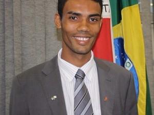 Vereador Levi Vieira da Silva (PMN) está em seu primeiro mandado em Governador Valadares (MG). (Foto: Divulgação/Câmara Municipal de Governador Valadares)
