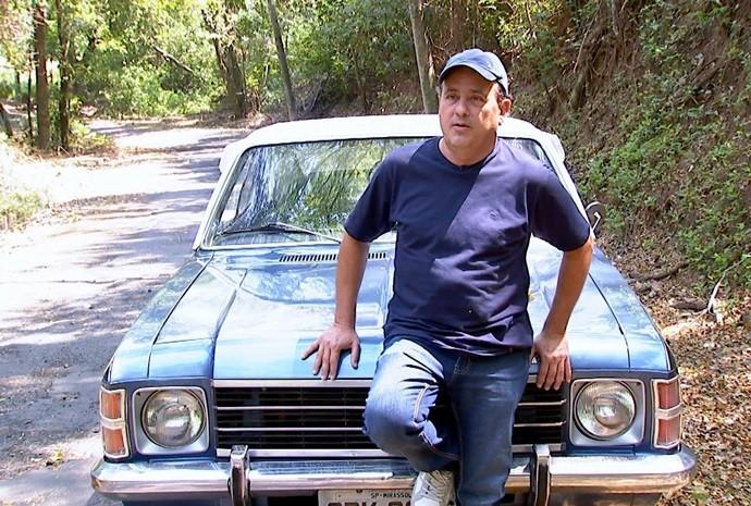 Seo Braga cuida do seu veículo com muito amor e carinho! (Foto: Reprodução / TV TEM)