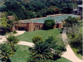 Vista aérea do Instituto Ricardo Brennand, em Recife (Foto: Divulgação)