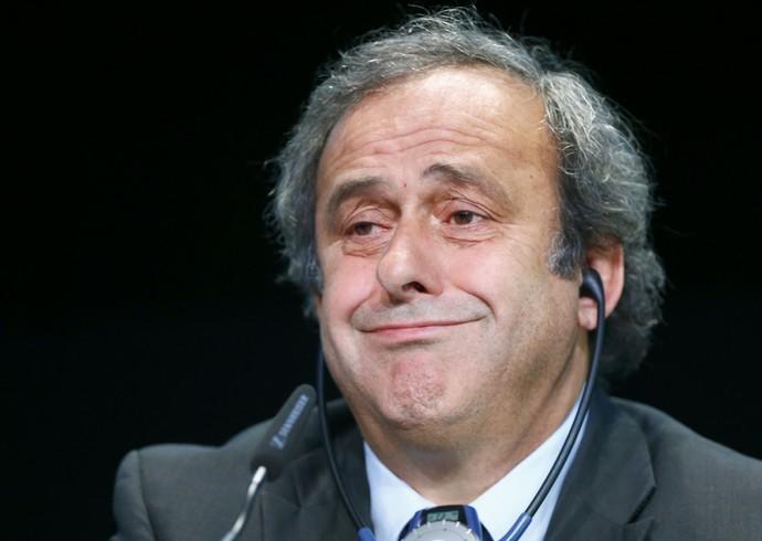 Platini concede coletiva após reunião com Baltter (Foto: Ruben Sprich/ Reuters)
