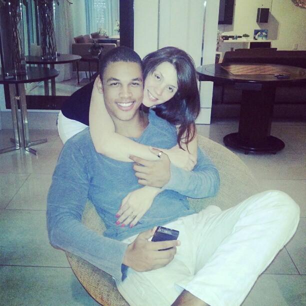 Simony com o namorado (Foto: Reprodução/ Instagram)