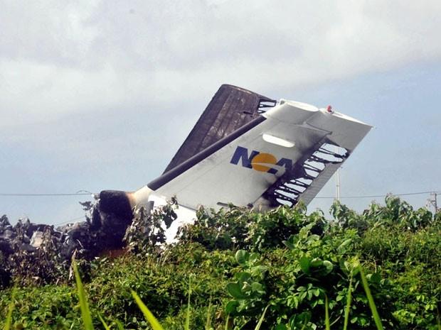 Acidente com avião da Noar, no Recife, em 13 de julho de 2011 (Foto: Aldo Carneiro/AE)