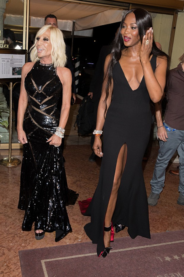 Naomi Campbell e Donatella Versace (Foto: Getty Images)