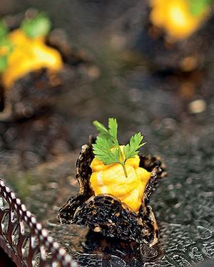 Cestinhas de gergelim com queijo de cabra (Foto:  )
