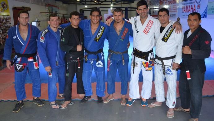Só faixa preta, lutadores da Associação Trindade e da Zenith (Foto: Tércio Neto/GloboEsporte.com)