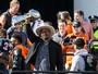 Milhares de fãs vão às ruas de Denver receber campeões do Super Bowl 50
