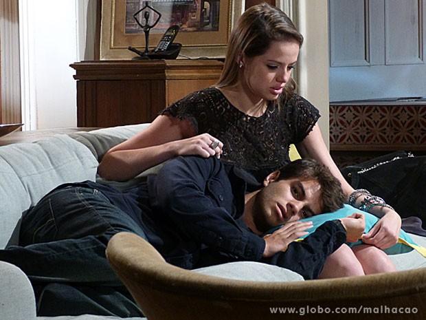 Ju, sua linda, abraça mto seu namorado fofo, tá? (Foto: Malhação / Tv Globo)