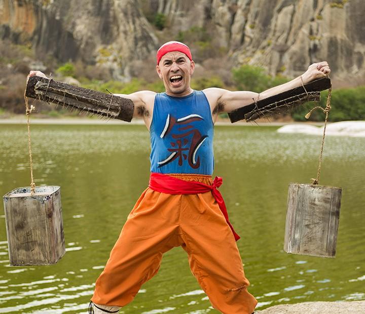 Edmilson Filho é o Shaolin do Sertão, um aficionado por artes marciais (Foto: Jarrod Bryant / Divulgação)