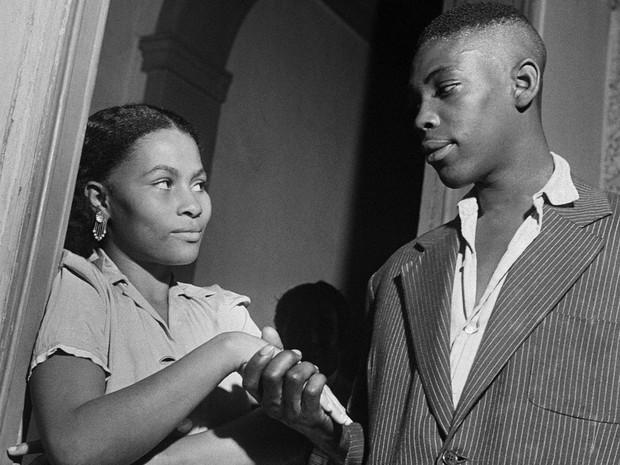O casal numa gafieira em 1948 (Foto: Divulgação/MAR)