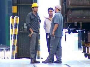 Trabalhadores discutem sobre formas de trabalho (Foto: Reprodução / EPTV)