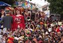FOTOS: Bonecos gigantes tomam ruas de Olinda