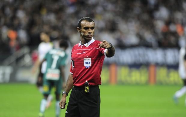 Árbitro Dewson Freitas da Silva (Fifa-PA)