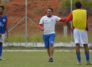 Wendel Freitas, técnico do Usac, só pensa na vitória para o próximo jogo (Foto: Verônica Martucci)