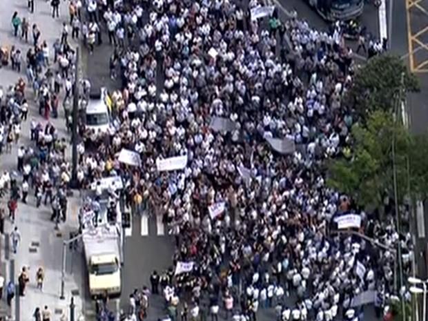 Fiscais protestam no Centro de São Paulo (Foto: Reprodução/TV Globo)