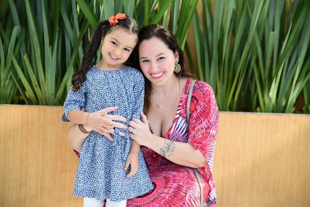 Mariana Belém com a filha Laura (Foto: Leo Franco /AgNews)