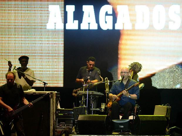 A banda Paralamas do Sucesso foi a terceira a se apresentar no domingo (29) (Foto: Valter Pontes/Agecom)
