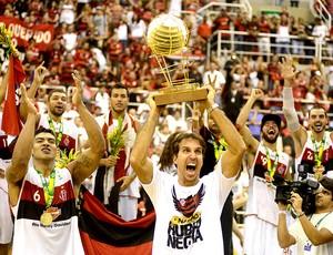 final basquete NBB Flamengo e uberlândia Marcelinho troféu (Foto: André Durão / Globoesporte.com)