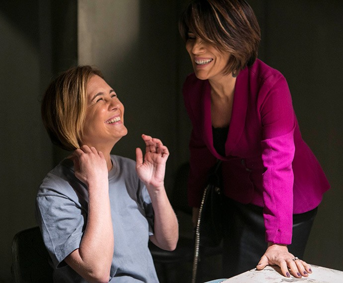 Adriana Esteves e Gloria Pires caem na risada (Foto: Inácio Moraes/Gshow)