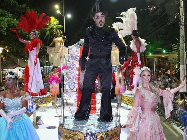 Blocos e escolas desfilaram no carnaval de Balneário Camboriú (Foto: Prefeitura de Balneário Camboriú/Divulgação)